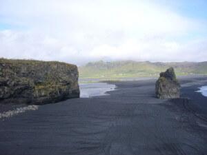 zwarte stranden dyrholaey